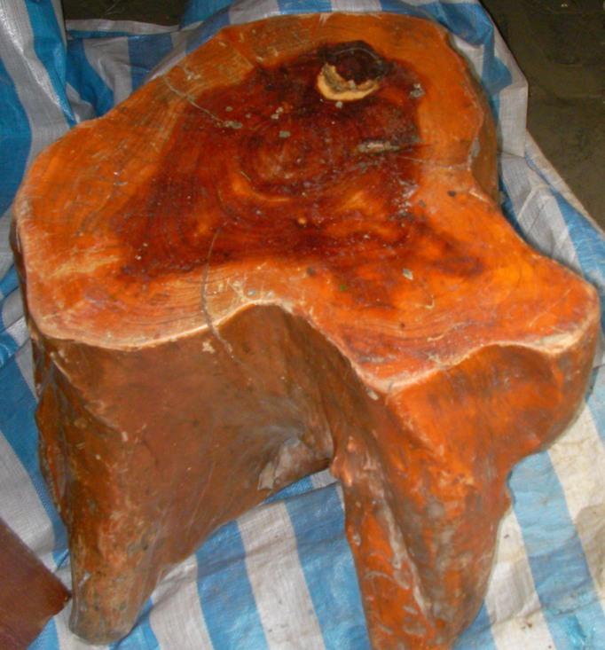 絕產國寶一級紅豆杉藝術家具組(各式長桌.椅)共八組可約面交鑑定